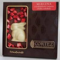 Czekolada mleczna z truskawkami i zającem z białej czekolady 90g Cortez