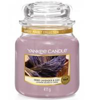 Świeca średnia Dried Lavender & Oak Yankee Candle